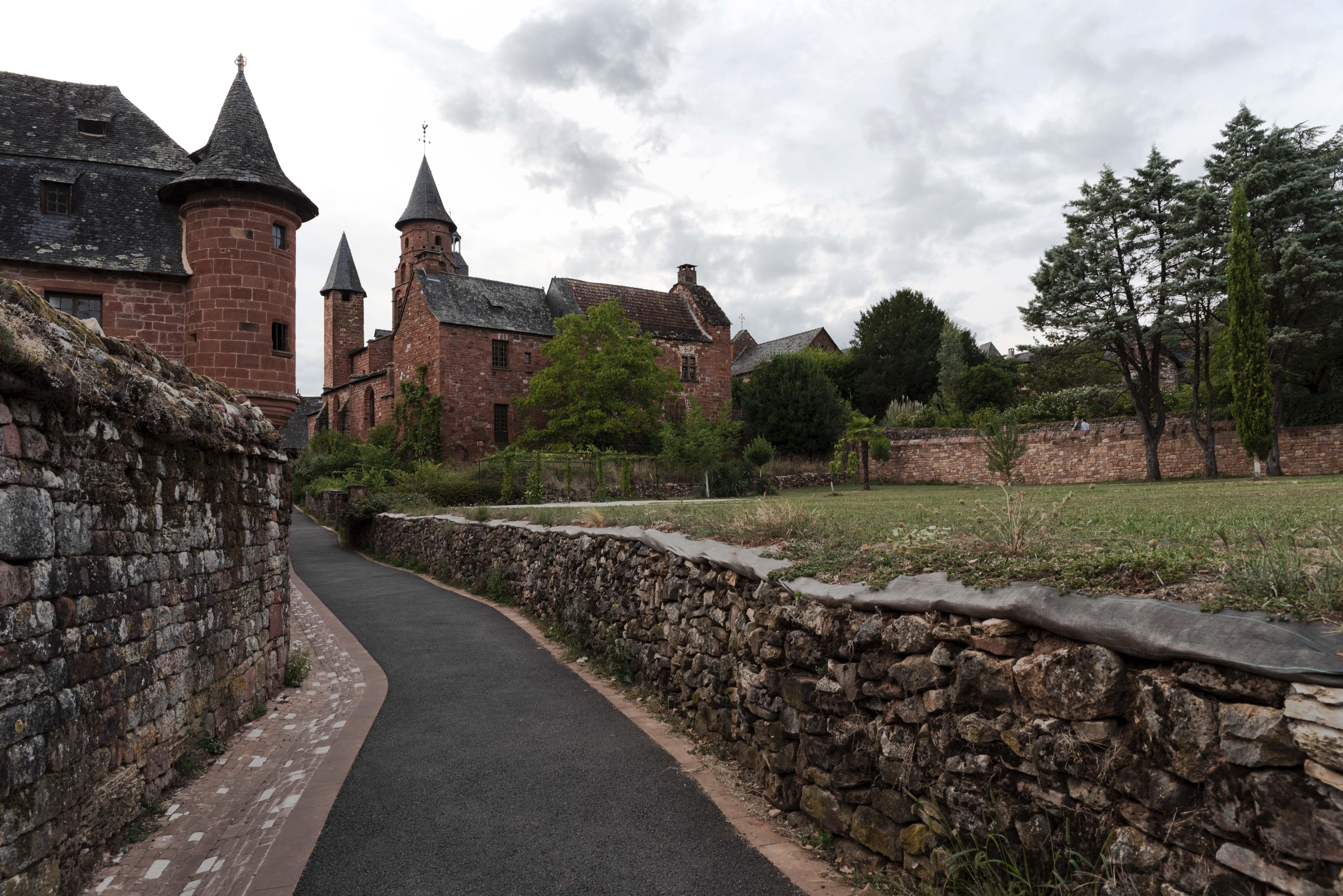 Corrèze-Collonges-la-rouge-01